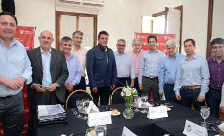 Cenzón con intendentes del Frente Renovador