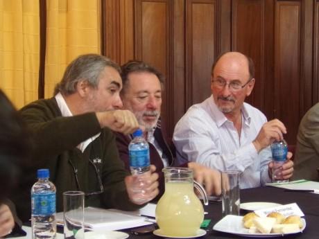 Fernández, Miguel - Reunión Río Quinto en América