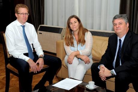 Zuccari, Vanesa con presidente Banco Provincia
