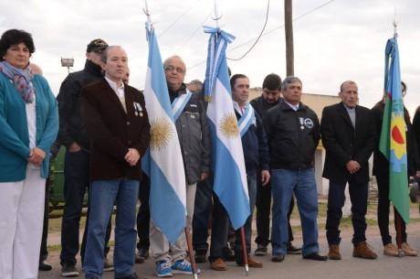 Roberts homenaje a ex  combatientes