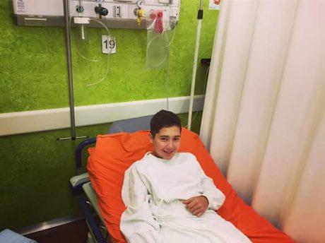 Caballero, Bautista antes de ingresar al quirófano. Foto extraída de su cuenta de Twitter