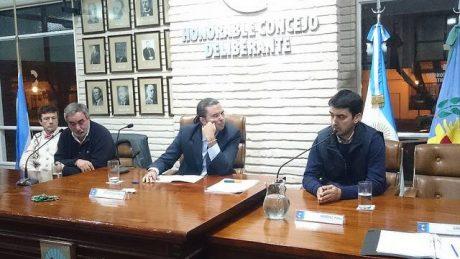 Trenque Lauquen Concejo Deliberante con presencia de Fernández y Albisu