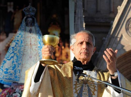 Poli Arzobispo