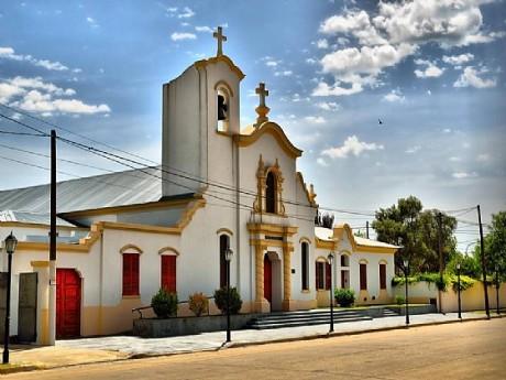 Henderson Iglesia Santa Teresita