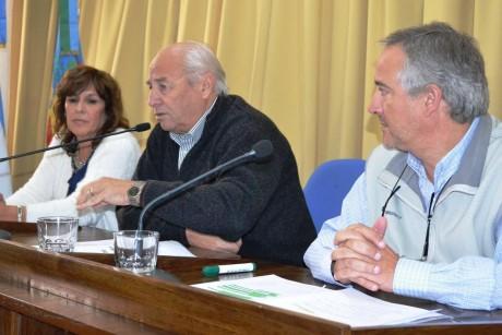 Roberto Álvarez anuncia obras para su distrito