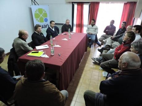 Lechería reunión en Adolfo Alsina