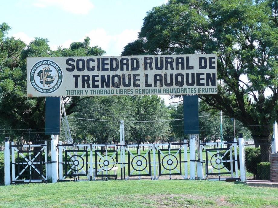 Trenque Lauquen - Sociedad Rural (entrada)
