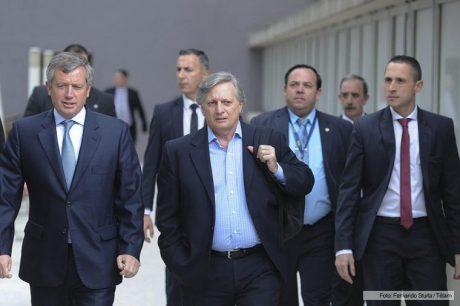Aranguren, Juan José camina en Diputados con Emilio Monzó