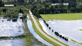 Canal aliviador de inundaciones