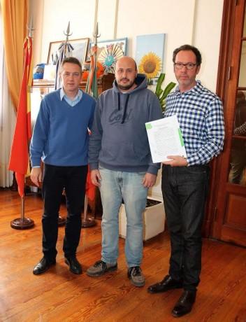 Carlos Casares firma convenio comisaría
