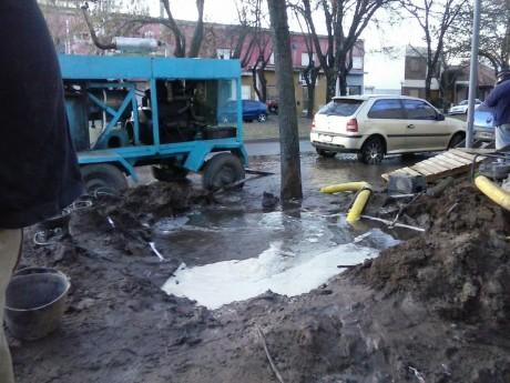 Trenque Lauquen rotura de caño de agua corriente