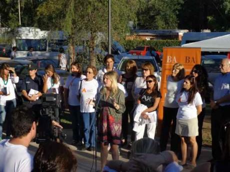 Cristina Álvarez Rodríguez habla en Cochicó al poner en marcha la Campaña Reconoce las Señales