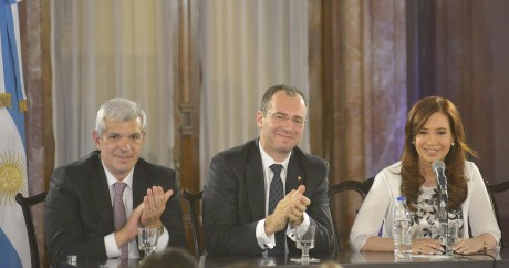 Presidenta de la Nación, Doctor Fuster y Julián Domínguez