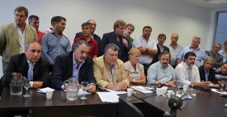Foglia en reunión del FAP-GEN (a la derecha de la pantalla)