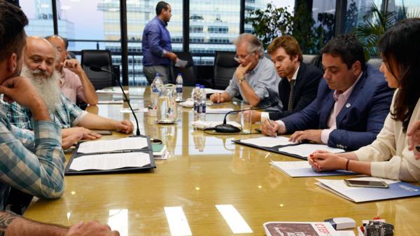 Flexibilización laboral : Macri propone revisar los convenios