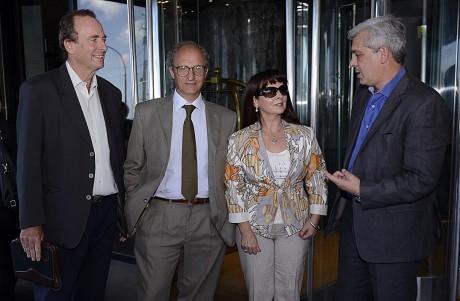 El presidente de CODESEDH, Norberto Liwski; el fiscal general federal de Mar del Plata, Daniel Adler; Susana Trimarco; y el presidente de la Cámara de Diputados de la Nación, Julián Domínguez