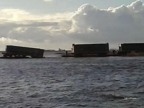 Trenes - vagones al agua en Primera Junta