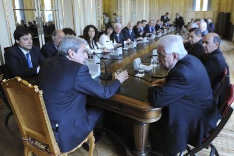 Fernández, Aníbal con intendentes y dirigentes de la 6ta sección electoral