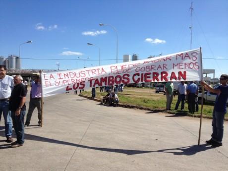 Lechería - Protesta Nacional frente a La Serenísima
