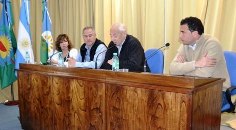 Tres Lomas - Conferencia de prensa sobre viviendas