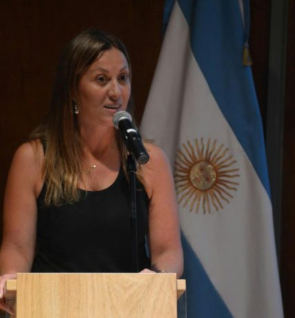 Arata, Valeria diputada 4ta sección Frente Renovador