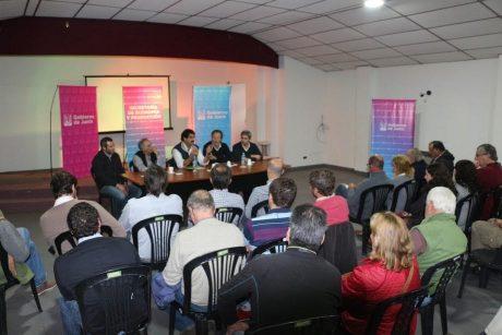 Junín - Reunión de Sarquís con productores