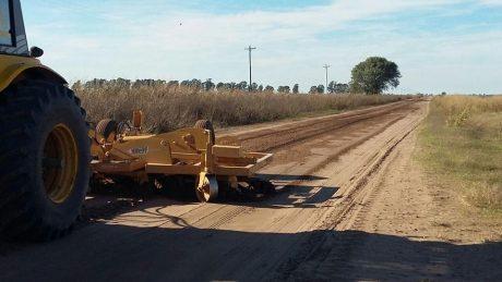 Pellegrini mejoramiento de caminos