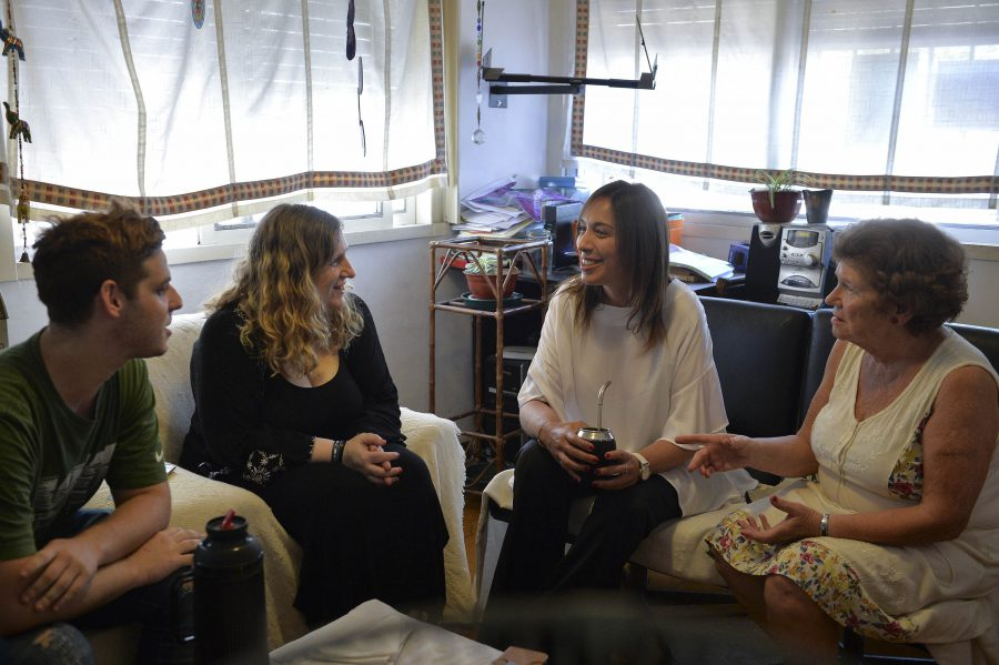 Vidal visitó a una familia platense