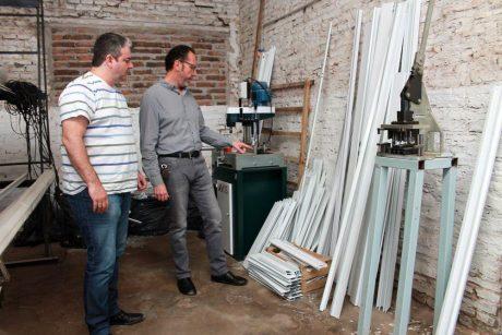 Carlos Casares Torchio visita cooperativa de aluminio