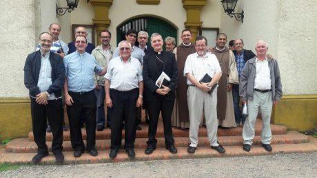 Sacerdotes reunidos en Los Toldos
