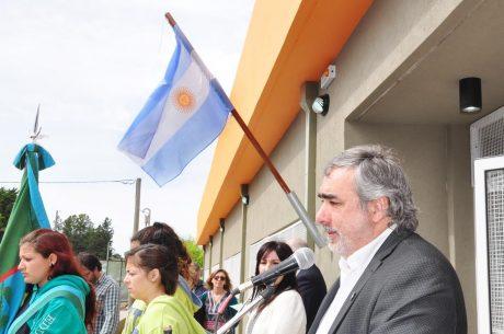 Trenque Lauquen Fernández, Miguel habla en inauguración ESB 9
