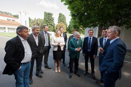 Gobernadores peronistas con Macri y Frigerio