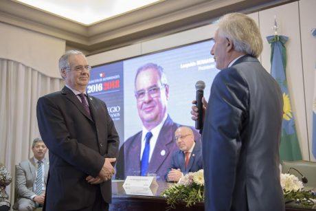 Bernard, Leopoldo presidente Colegio Escribanos