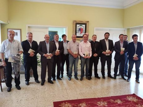 Obispo con intendentes de la Diócesis de 9 de Julio